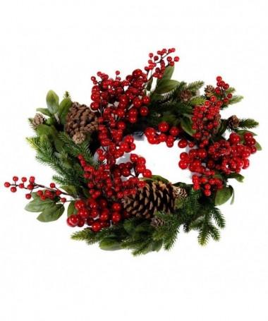 Coroncina natalizia con bacche rosse