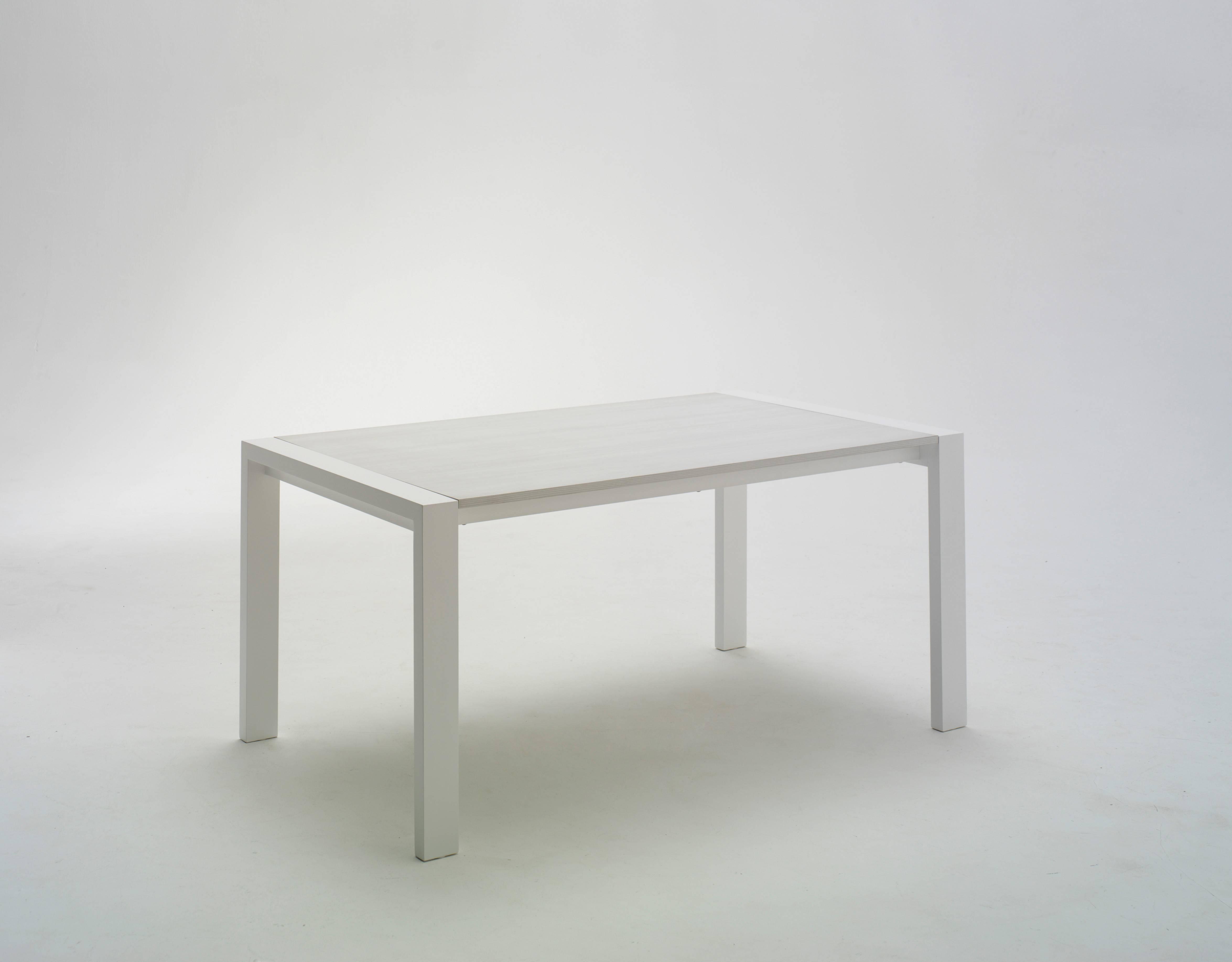 tavolo-like-allungabile-struttura-laccata-e-piano-in-laminato-bianco.jpg